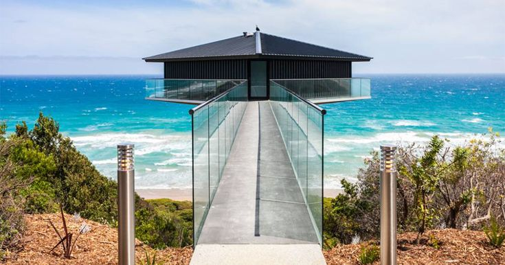 This Unbelievable House In Australia Seems To Float Above The Sea | Bored Panda