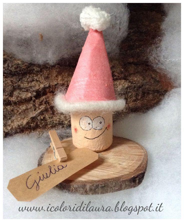 Gnometti segnaposto realizzati con tappi di sughero per la tavola di Natale, da realizzare con i bambini saranno l'occasione per un momento