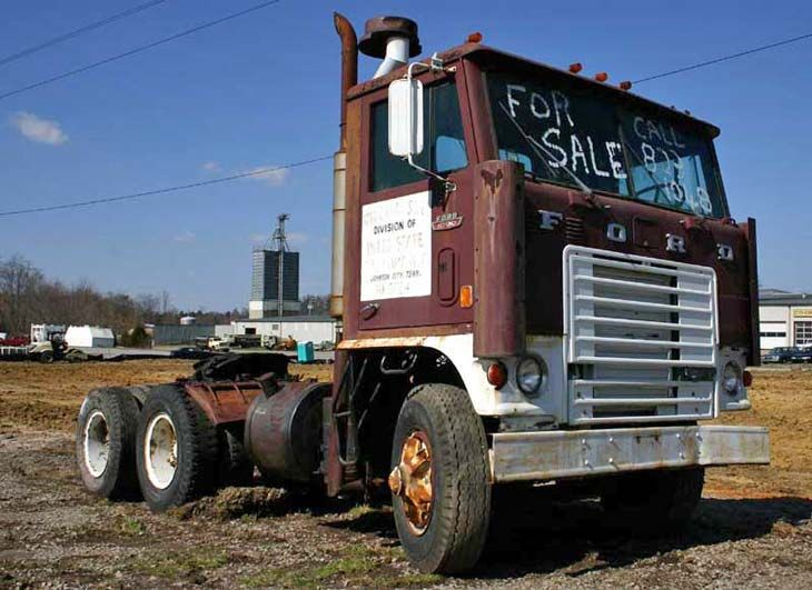 cabover semi trucks for sale | Old Ford Cabover Truck