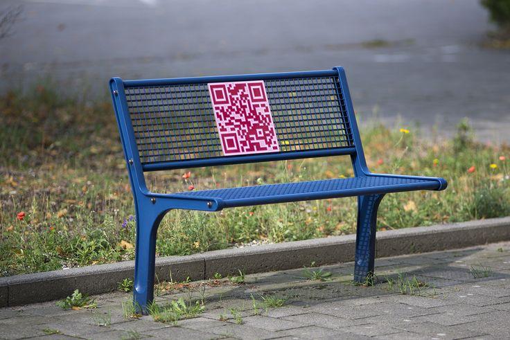 #Kiel Was hat es bloß mit den vielen, bunten QR-Codes auf sich, die überall auf dem Campus der FH stehen? Wer sein Smartphone zückt und die verschiedenen Codes einscannt, ist schon mittendrin im Kunstwer...