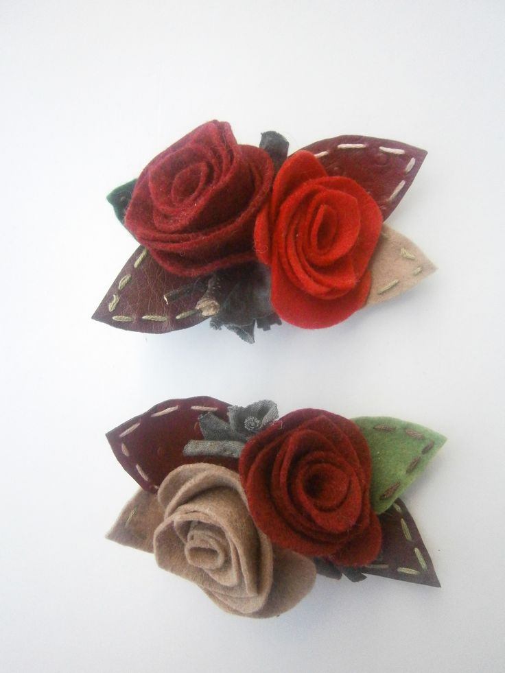 brooches-Red felt roses