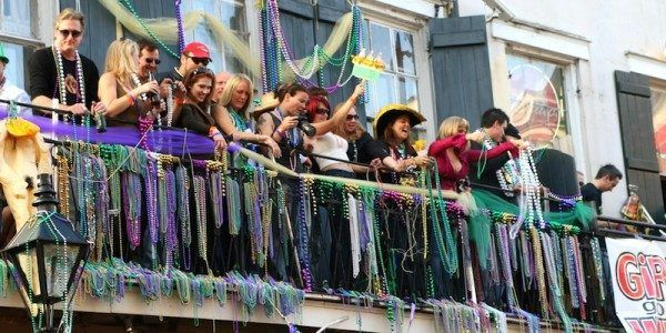 Like A Local: What To Eat And Drink In #NOLA During Mardi Gras!