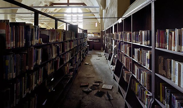 Abandoned public library in Detroit
