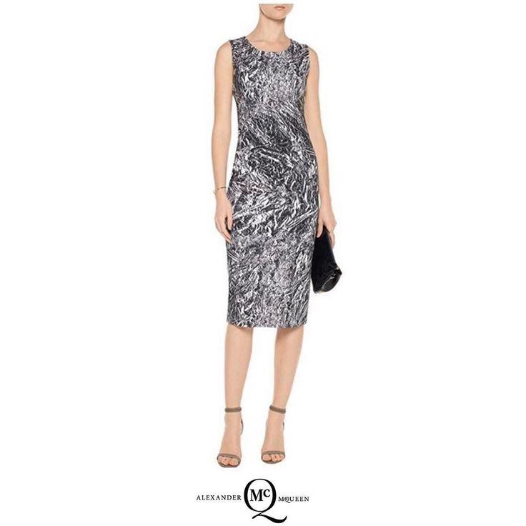 Облегающие платья из плотного трикотажа с интересными принтами стали визитной карточкой бренда #McQ Alexander McQueen. Платье снова в продаже! #alexandermcqueen  #boutique #киев #lux #luxury #brand #скидки #бутик #trend #fashion #style #бренды #musthave #sport #bestbrand #shopping #discount #kiev #luxuryshopping #luxuryclothing #like #cool #шопинг #киевшоппинг