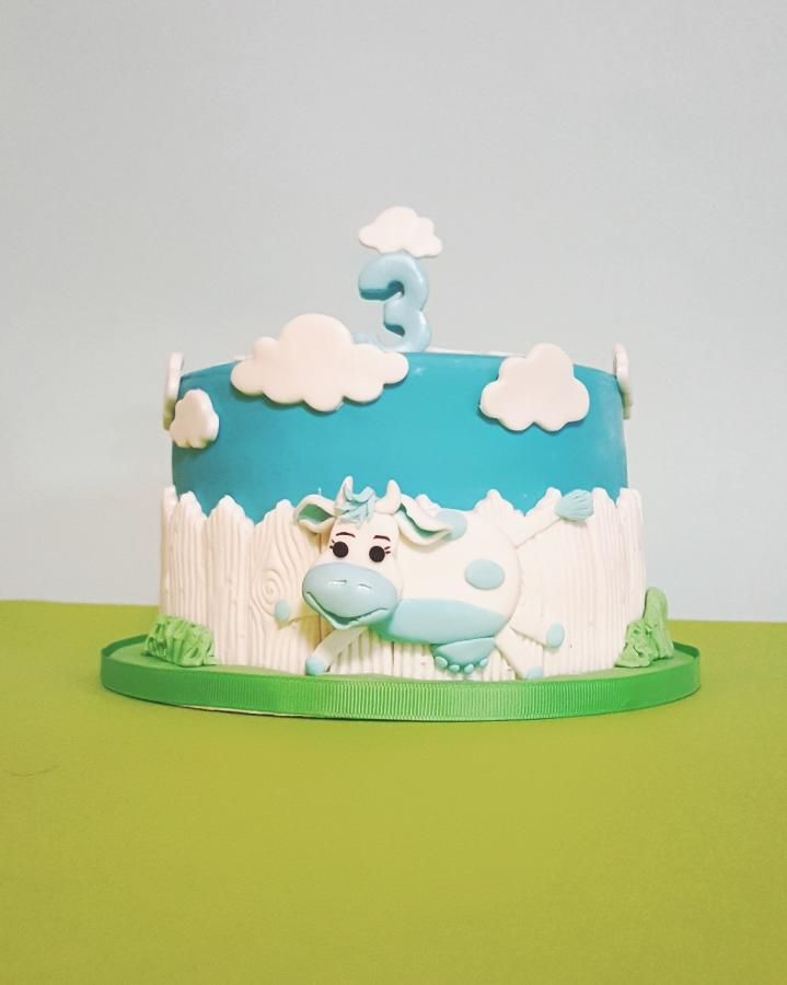 Art By Cow Cake : 169 best Cow Cakes images on Pinterest Cow cakes, Animal ...