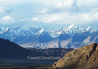 Tian Shan Mounatins, Xinjiang