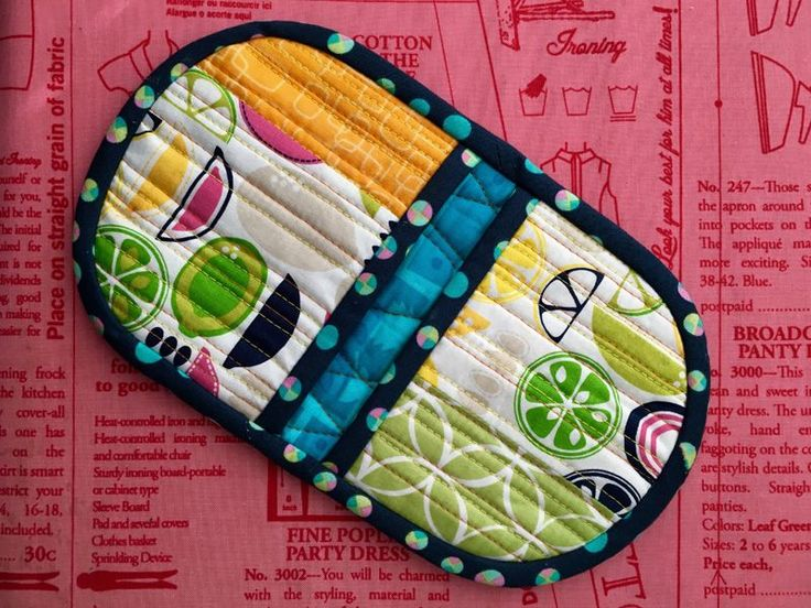 Squeezy Potholder Video Tutorial | Sew Mama Sew | Outstanding sewing, quilting, and needlework tutorials since 2005.