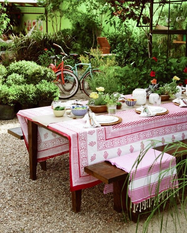 5 Tips for Setting the Perfect Summer Table | Better Homes and Gardens