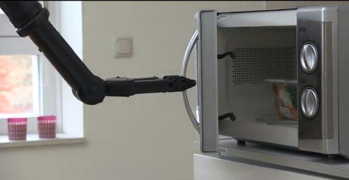 Stel je voor een zorgrobot die een appel voor je pakt, de magnetron bedient, de deur opent. Een robot, die je helpt je bij het dagelijks leven...http://zorgmag.nl/2014/08/25/rose-verlicht-thuiszorg/