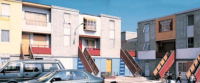 REVISTA NOTAS CPAU | ELEMENTAL y la vivienda incremental   El conjunto habitacional Quinta Monroy es sin duda el mayor referente de Elemental y la principal carta de presentación del Pritzker 2016, Alejandro Aravena.  http://bit.ly/2BBOraH?utm_content=bufferd4b0d&utm_medium=social&utm_source=pinterest.com&utm_campaign=buffer