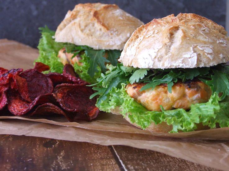Um prato leve, colorido e saudável. O sabor picante da mizuna e dos coentros fazem um par perfeito com o salmão