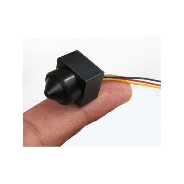 Esta mini cámara CCTV de 480TVL posee un ángulo de visión de 90º y solo requiere una iluminación mínima de 0,1 lux. Trabaja con 5V y 12V. Ideal para instalara como CCTV