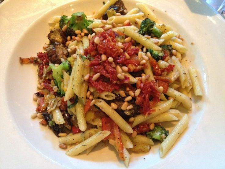 Cheesecake Factory Restaurant Copycat Recipes: Evelyn's Favorite Pasta