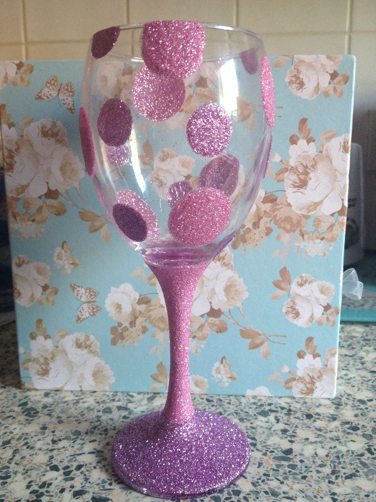 25 best ideas about glitter wine glasses on pinterest for Spray painting wine glasses