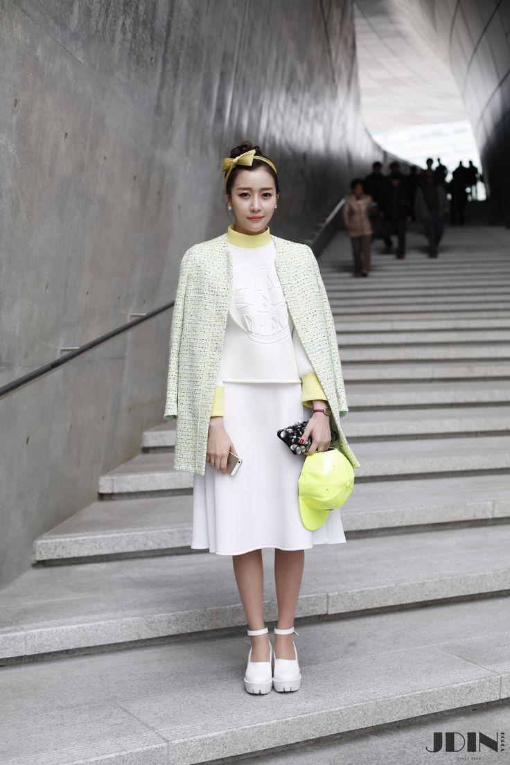 Street fashion with CRES. E DIM.