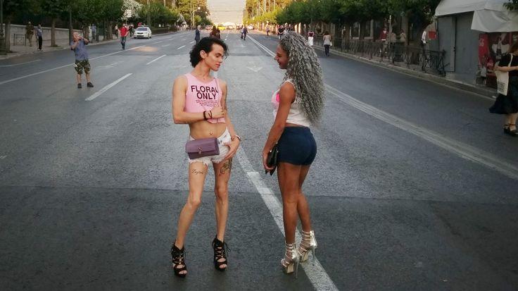 H μετατροπή του Athens Pride - Φεστιβάλ Υπερηφάνειας Αθήνας από πολιτική πράξη σε λάιφ στάιλ στιγμιότυπο, σε χιπστερο-fail εικόνα όπου η αναπαράσταση του εαυτού φαντάζει ως το κρισιμότερο γεγονός. ------------------------------------------------------ #AthensPride17 #sexuality #gender #lifestyle #fragilemagGR http://fragilemag.gr/athens-pride-2017/