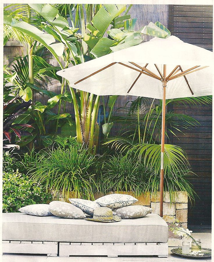 20 best images about outdoor daybed on pinterest for Outdoor pool daybeds