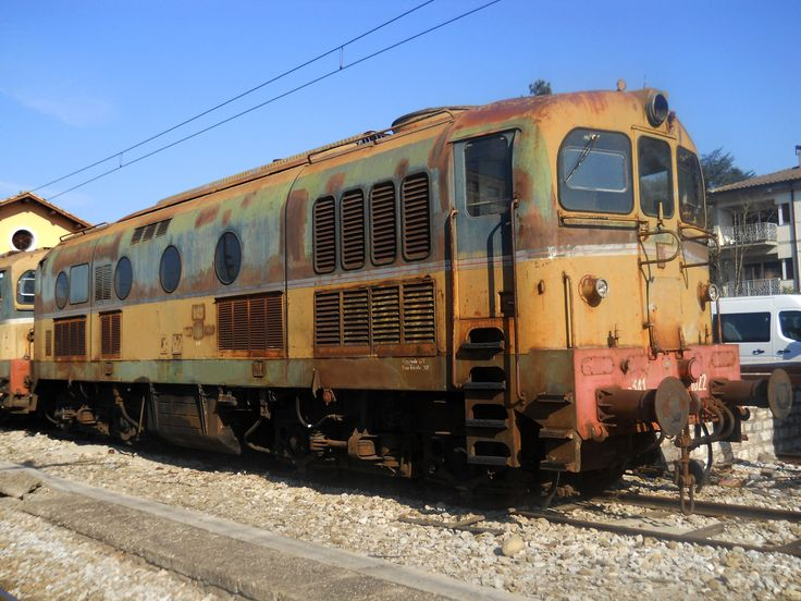Il parco della Fondazione FS si amplia con l'arrivo di tre locomotive D.341 già FS, cedute a titolo gratuito da Umbria Mobilità. Le D.341 sono state le prime locomotive diesel da treno delle FS alla fine degli anni '50; furono costruite dalla Fiat (serie 1000) e dalla Breda (serie 2000). Le unità recuperate sono delle Fiat e montano un motore diesel a 12 cilindri tipo 2212 SF di circa 150.000 cc con una potenza all'albero di 1400 CV e una velocità massima di 110 km/h.