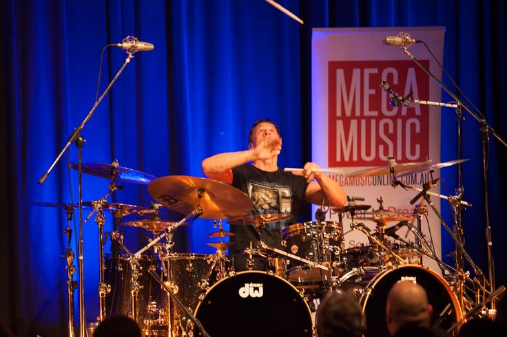 The incredible Thomas Lang in clinic on the DW TV Show Tour #thomaslang #drumclinic #dwtvshowtour #dw #dwdrums #drums #drummer #megamusic #megamusicmyaree