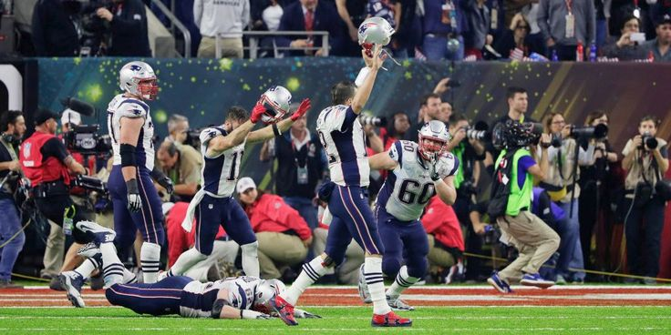 February 6, 2017, the 51st Super Bowl in the United States Houston NRG Stadium, Atlanta Falcons once leading 25 points in the case of the New England Patriots tied the Super Bowl staged 51-year history of the first overtime Race. Overture Patriots burst into action to achieve success, to achieve an incredible reversal won the Vince Lombardi Cup.