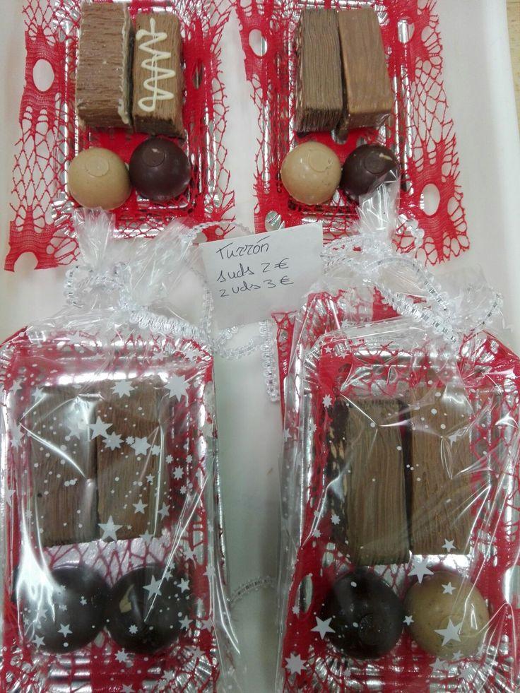 Turrones navideños de trufa y bombones. Una unidad, 2 Euros, dos unidades, 3 Euros=)