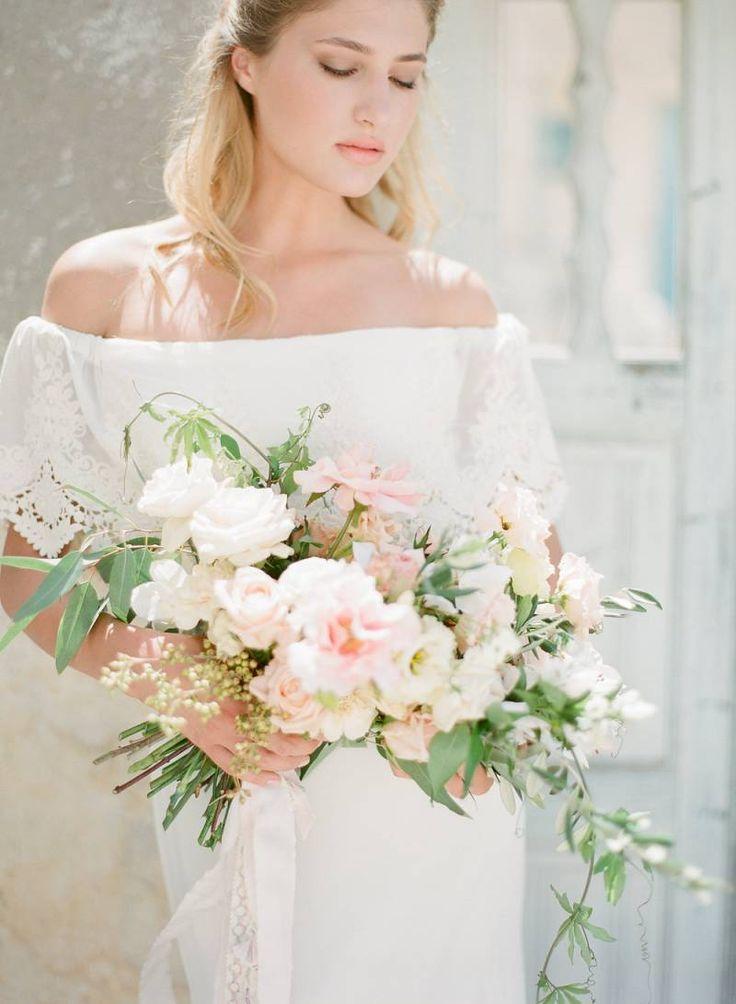 Free spirited bridal inspiration on Santorini via Magnolia Rouge VEILS BY @BRIDELABOHEME