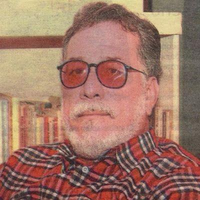 """Antonio Acevedo Linares       """"La poesía, como tema de la poesía, el amor y la muerte son principalmente los temas del contenido de ..."""