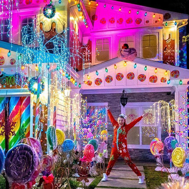 "Christmas House Tour 2020 JoJo Siwa en Instagram: ""MY CHRISTMAS HOUSE TOUR!🎅🏼🌈 (LINK IN"
