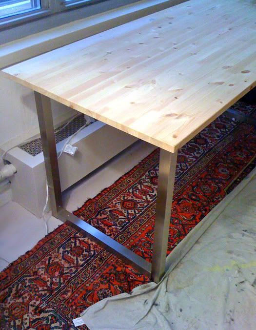 easy diy desk with ikea table tops and legs vintage. Black Bedroom Furniture Sets. Home Design Ideas