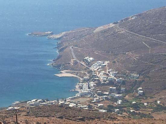 Isternia beach, Tinos - Thalassaki Taverna is on this beach