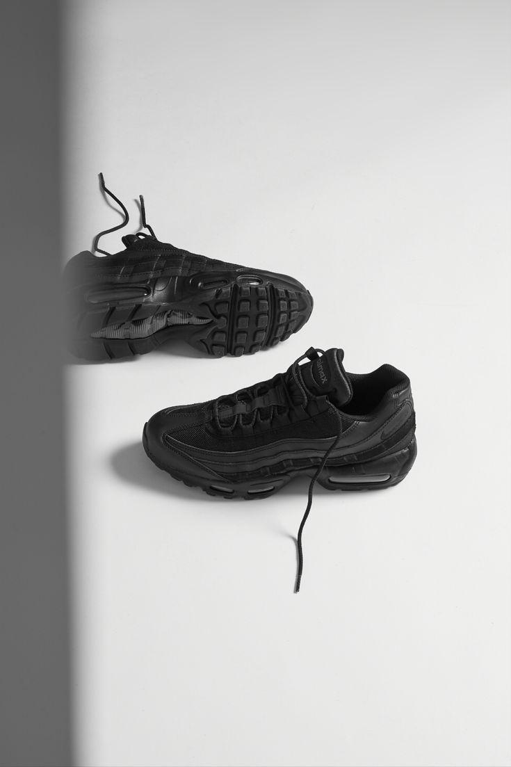 #airmax #airmax95 #nikeairmax #nikeshoes #niketrainers #nikesneakers #airmaxkicks #airmaxalways #airmaxessential #hypebeast #sneakernews #sneakerholics #aphrodite1994
