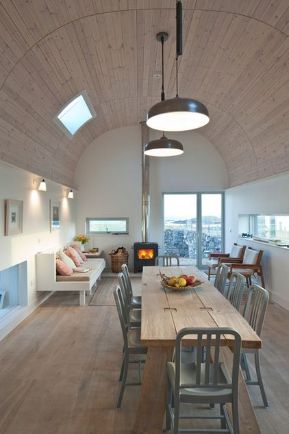 An Award-winning Island Home in the Inner Hebrides Ingenious ideas and an intimate understanding of the Hebridean island landscape influenced the design of this beautiful Scottish house Contemporary Dining Room by Denizen Works