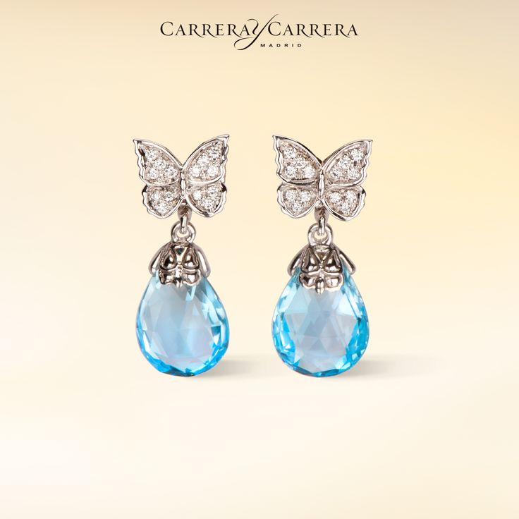 Baile de Mariposas earrings in white gold with blue topaz and diamonds by Carrera y Carrera. #Carreraycarrera #bailedemariposas #earrings #jewelry #joyas #jeweloftheday #bluetopaz #gems #gemstones #topaz #butterfly #chic #luxury #elegant #feminine #style #fashion #goldenearrings #jewels #bridal