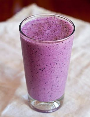 Blueberry Peach Smoothie (made without banana - hurrah!)