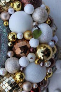 Wianek świąteczny z konikiem na biegunach-wianki świąteczne,ozdoby świąteczne,dekoracje na Boże Narodzenie