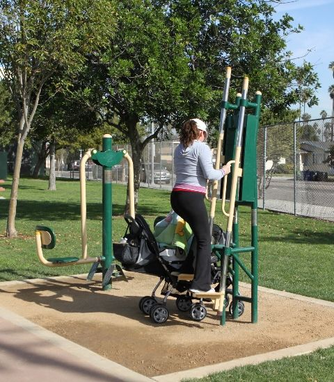 25 Best Ideas About Outdoor Fitness Equipment On: 40 Best Community Fitness Park Images On Pinterest