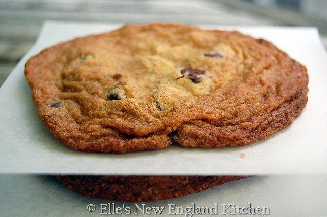 Guest Post: Giant Chocolate Chip Cookies by Elle's New England Kitchen: Cookies Monsters, Chocolates Chips Cookies, Butter Cookies, Giant Cookies 5, Chocolate Chip Cookies, Spiffi Cookies