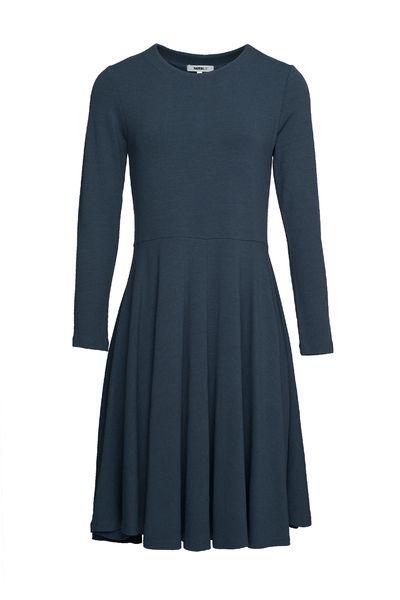 Blå Retreat Volang Kjole fra katrin uri - Kjoler