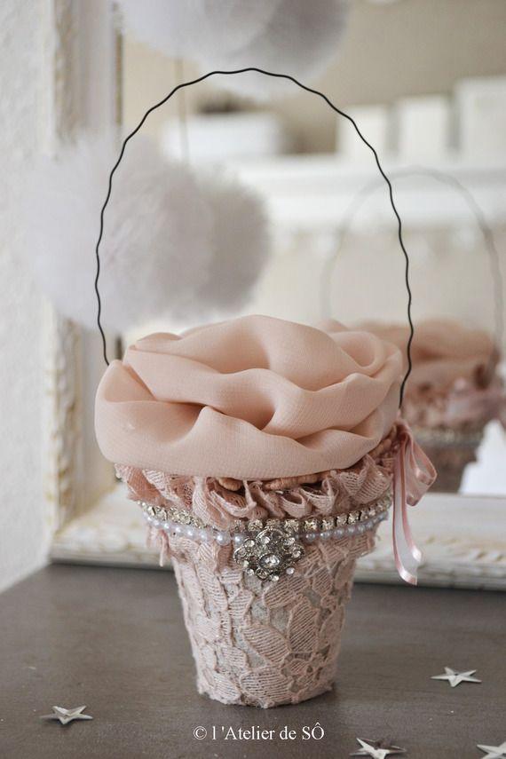 Petit pot shabby  vieux rose et sa bougie fleur led