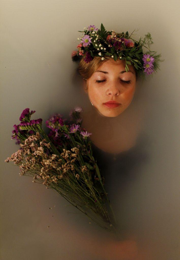 Ophelia #flowerbath #underwater #flowers #girl #photography #bath #dream #bathtub #beautiful #freedom #water #Ophelia