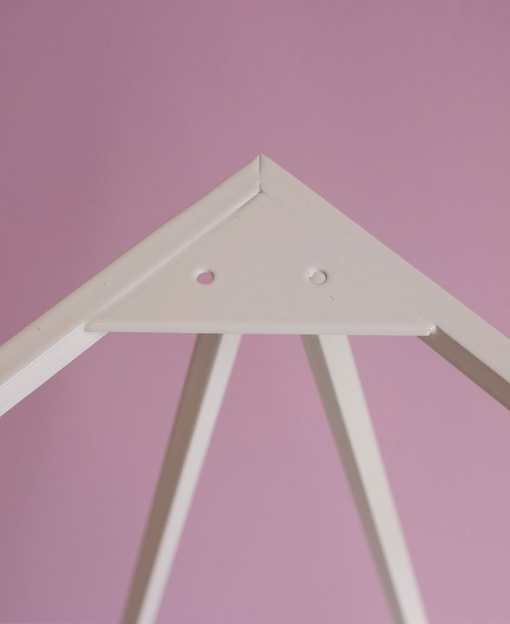 Image of Zigzag trestle legs in paper white
