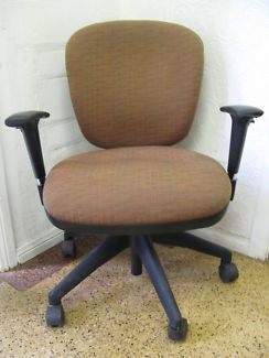$50 Professional Ergonomic OFFICE CHAIR Red Brown ARMCHAIR Text 0411691171 or email info@bitspencer.com