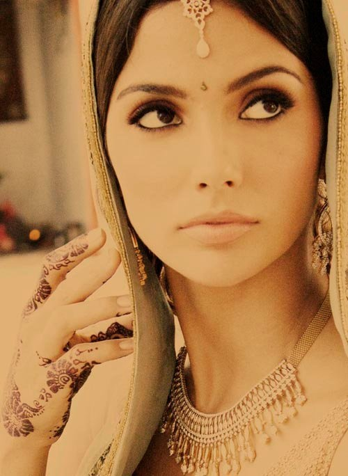 Indian Bride...it doesn't get any more gorgeous than this. <3