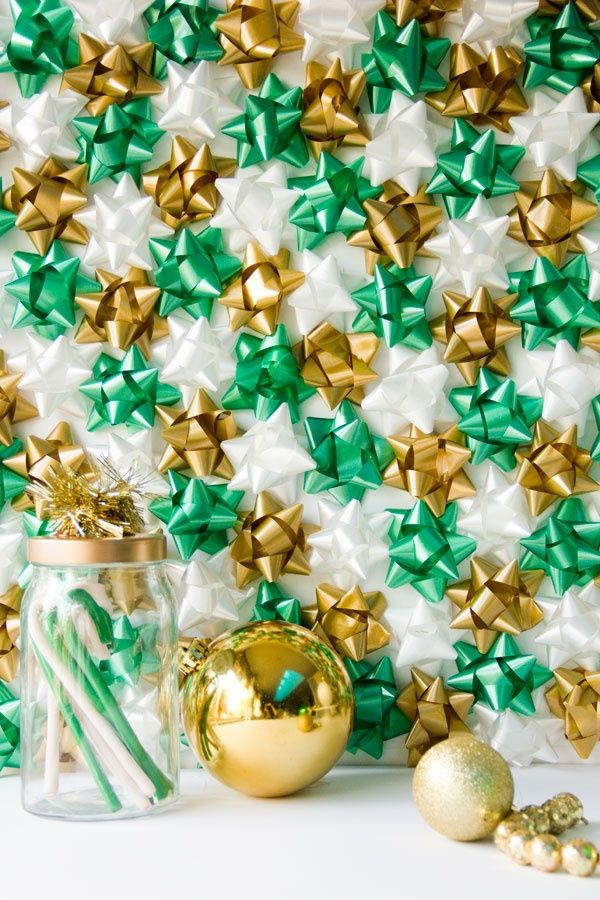 305 best home for the holidays images on pinterest christmas diy christmas gift bow backdrop solutioingenieria Gallery