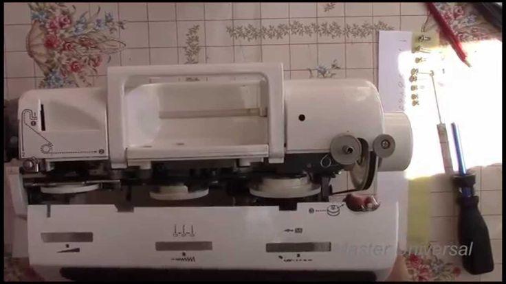 Как снять и собрать пластиковый корпус швейной машинки brother star-60.В...