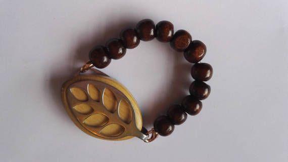 Bellabeat bracelet in my Etsy shop https://www.etsy.com/uk/listing/504283654/bellabeat-leaf-bracelet-elasticated-dark