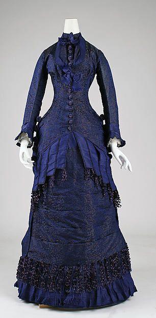 Dinner dress Date: ca. 1876 Culture: American Medium: silk Dimensions: Total Length: 56 in. (142.2 cm)