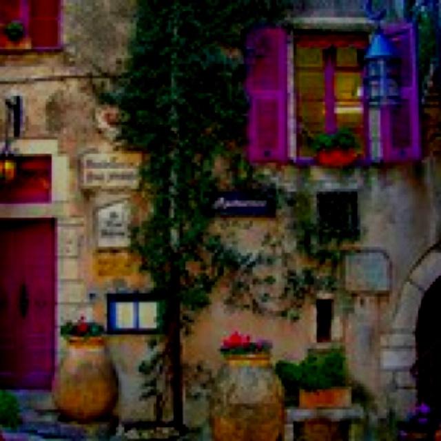 Oh I love purple. Beautiful place
