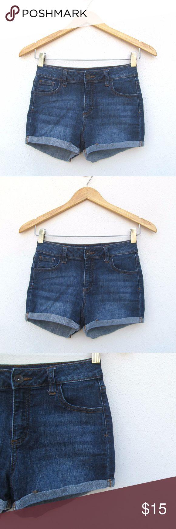 Refuge Denim Jeans Shorts Size 2 I offer bundle discounts! Jeans