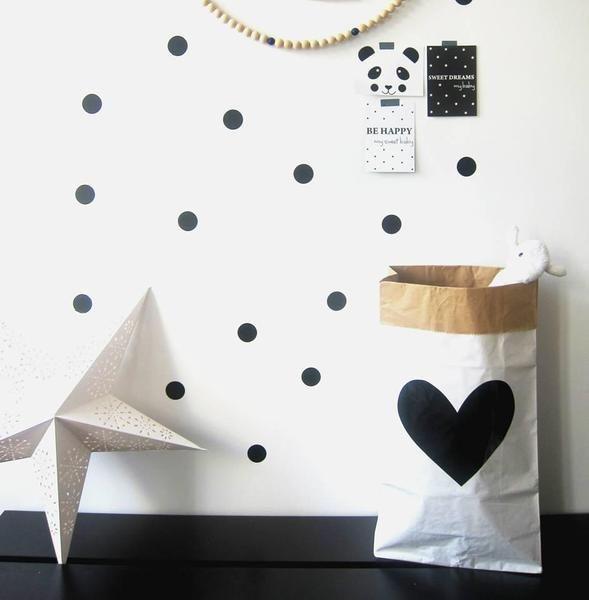 Papieren opbergzak met groot zwart hart van BERCADEAU op DaWanda.com